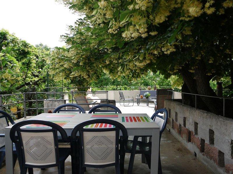 A l'ombre du tilleul, location de vacances à Mollans sur Ouveze