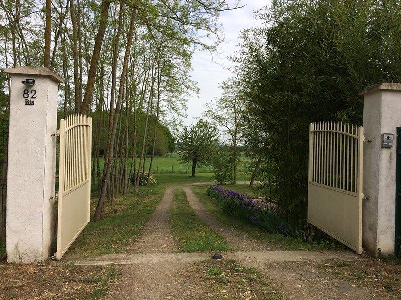 logement indépendant dans propriété . 400 m de la Loire à vélo ., holiday rental in Ballan Mire