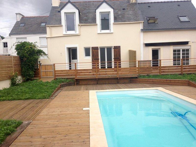 2 Maisons de vacances entièrement rénovées bord de mer avec piscine chauffée, alquiler vacacional en Melgven