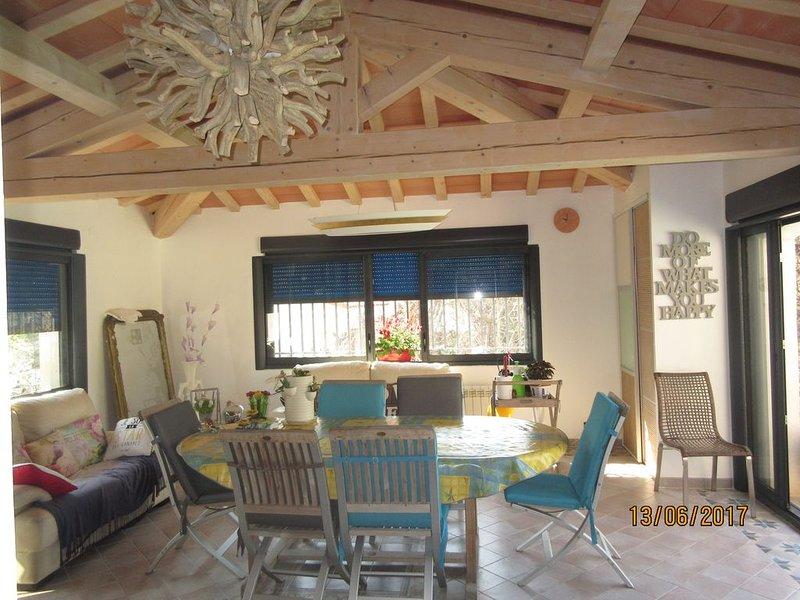 Aix en Provence villa de caractère-10pers 210m2, aluguéis de temporada em Vitrolles
