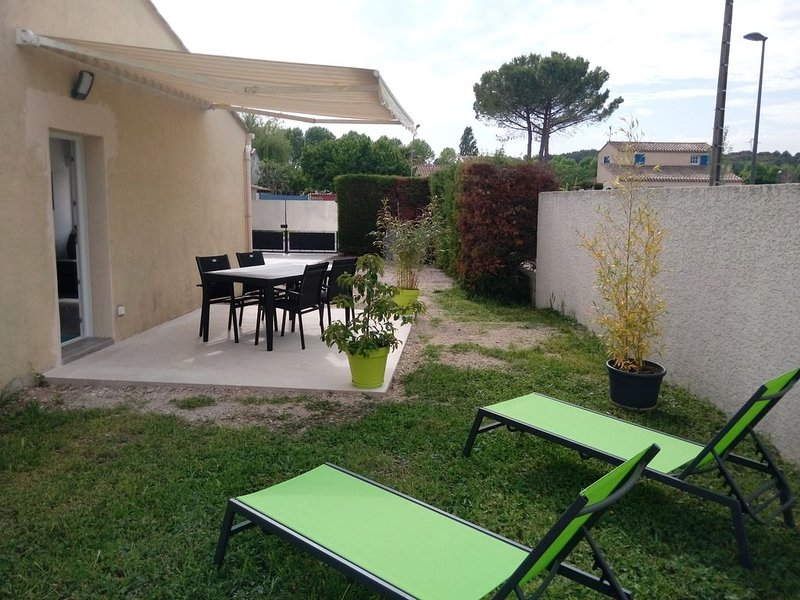 Studio indépendant 20 mn des plages, holiday rental in Gallargues-le-Montueux