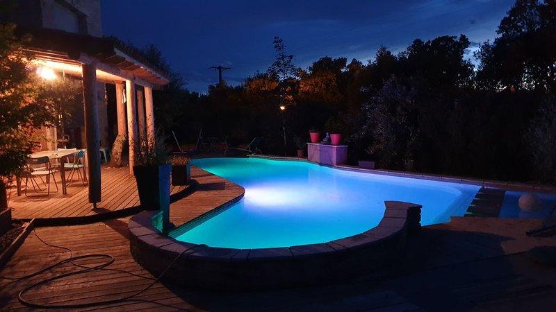 Villa Ardèche 'la tanière des chênes verts' 167m2 piscine privative et jardin, vacation rental in Barjac