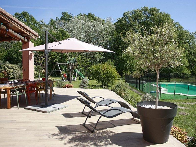Spacieuse Villa à L'isle sur la Sorgue Avignon Luberon, location de vacances à L'Isle-sur-la-Sorgue