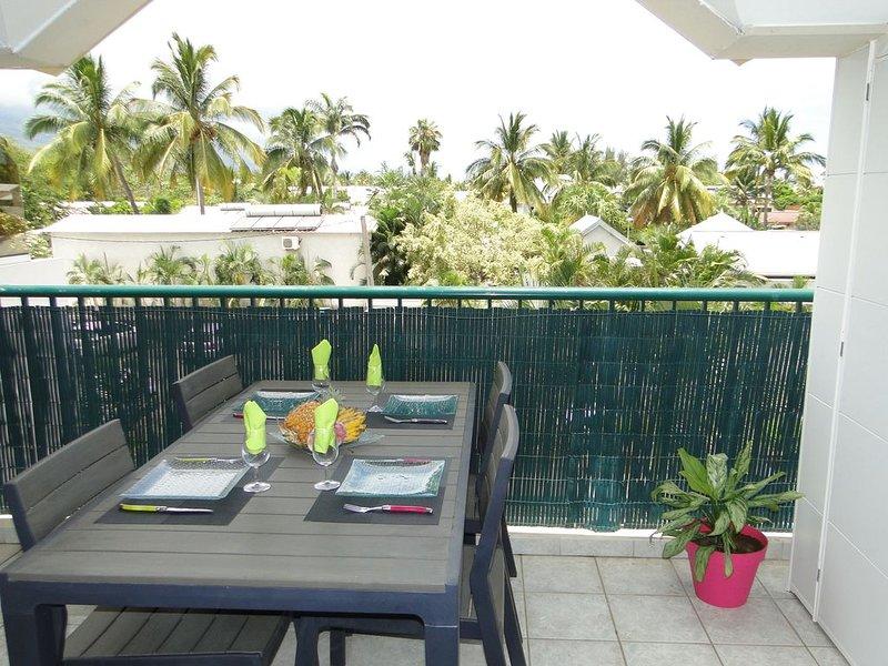 Bel appartement T2 Vue dégagée entre mer et montagne proche du lagon, location de vacances à La Saline les Bains