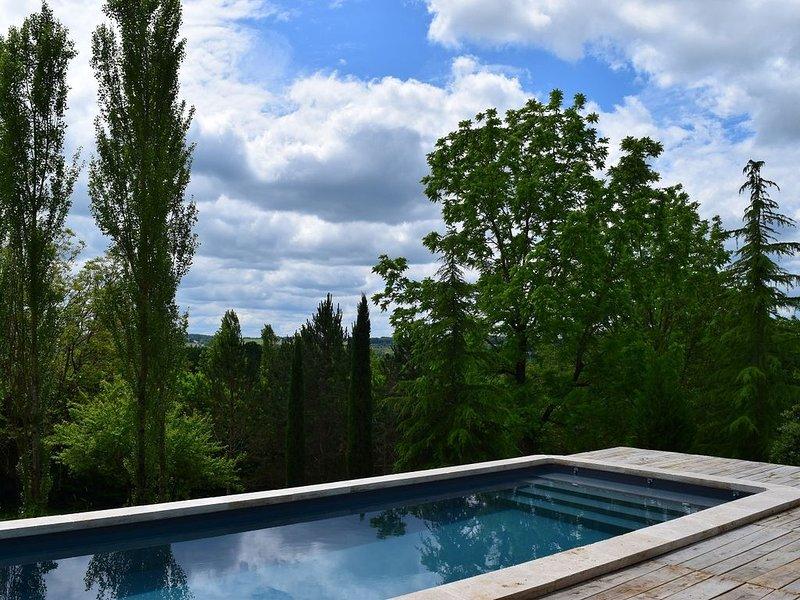 Gîte de charme 4* avec piscine privée, Ferienwohnung in Hautefort