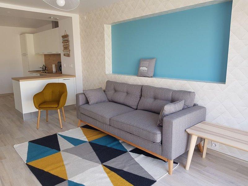 'Côté Jardin' Gîte tout confort 4/5 personnes - Proche centre Cancale, casa vacanza a Cancale