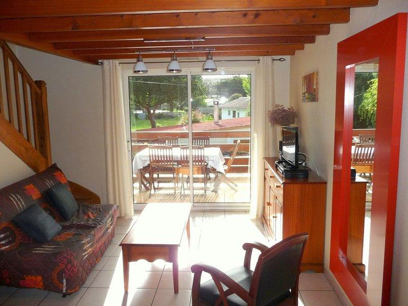 Agréable maison avec jardin clos, à 150 m de la  plage de Nauzan, vacation rental in Saint-Palais-sur-Mer