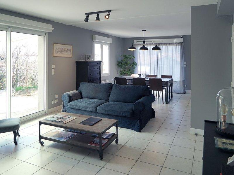 Très belle villa 4* - 3 chambres - 117m2 - Jardin., holiday rental in Bidarray