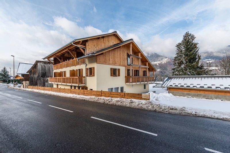 Appartement récent et moderne vue sur montagne, Ferienwohnung in Morillon