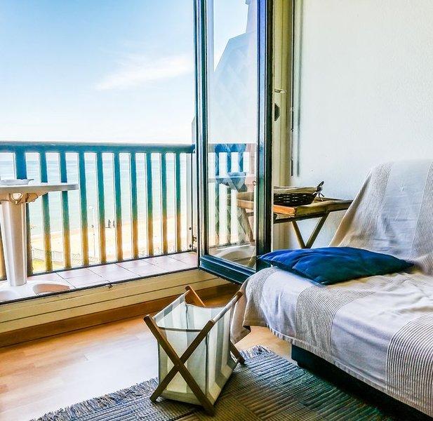 Appartement front de mer - 4 personnes - 2 chambres - 50m de la plage, holiday rental in Villers-sur-Mer
