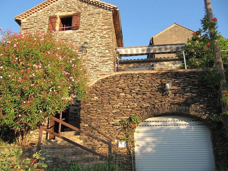 Maison au calme en Ardèche au pied ces Cévennes, vacation rental in Les Salelles