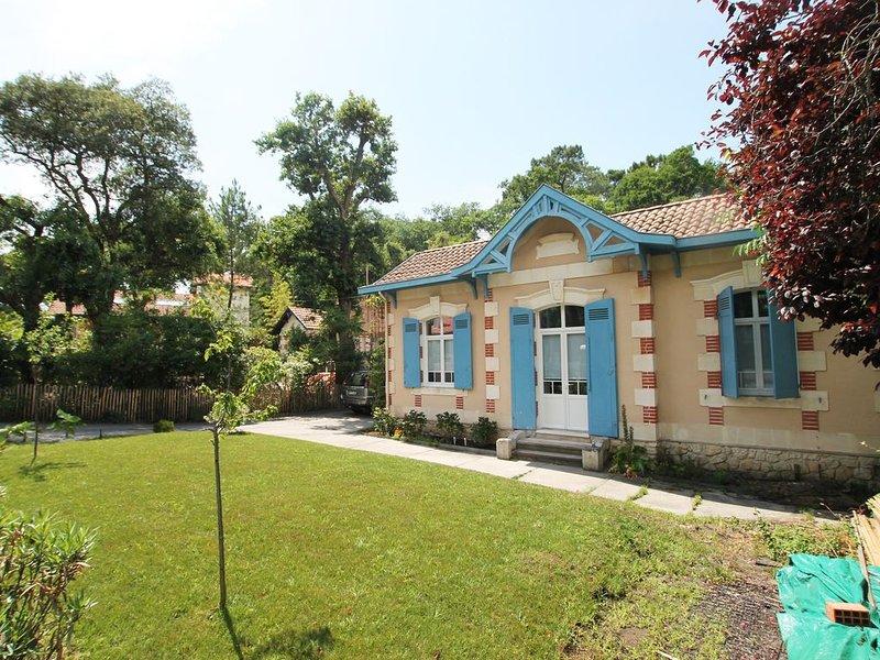Maison 'Malyse' /4 Chambres / 8 Personnes, location de vacances à Arcachon