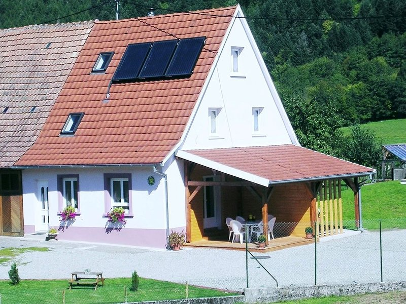 Grand Gîte Rural La Source 3 épis TOUT CONFORT 118m2, holiday rental in Husseren-Wesserling
