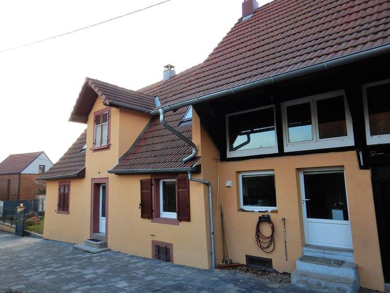 Charmante maison avec jardin dans un petit village calme à 10 mn de Colmar, holiday rental in Neuf-Brisach