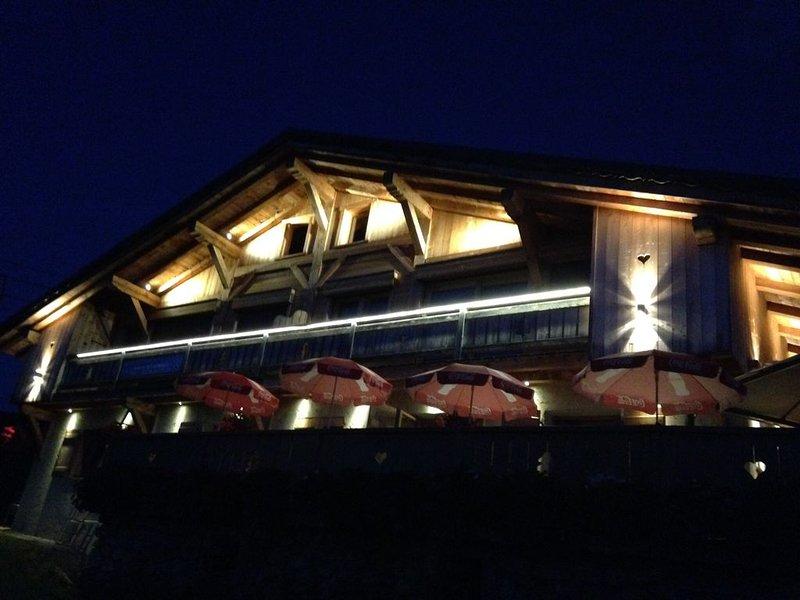 Chalet avec appartement pour 8 personnes sur les pistes de l'espace diamant, holiday rental in Crest-Voland