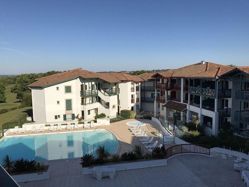 Appartement Arcangues, pied du Golf, aux portes de Biarritz, casa vacanza a Arbonne