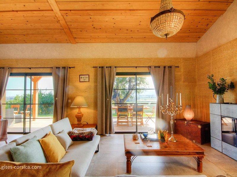 gîte de charme dans un cadre apaisant, holiday rental in Aghione