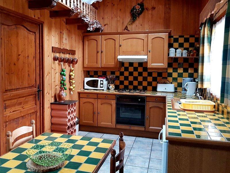 Joli petit châlet à deux pas du centre, aluguéis de temporada em Haute-Savoie