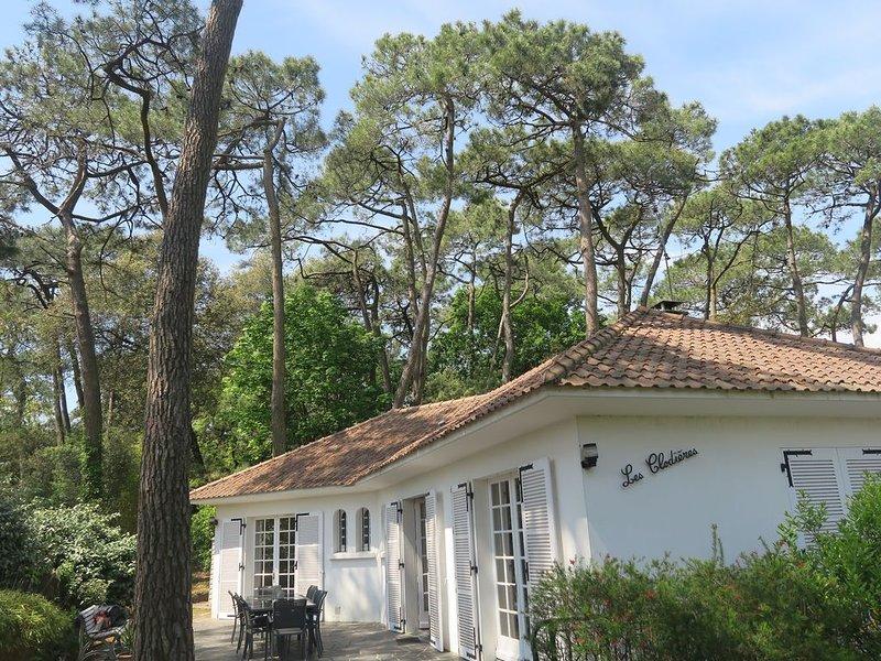 Maison à 300m de la plage capacité 12 personnes, vacation rental in Saint Viaud