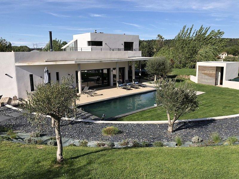 Location Villa d'architecte neuve Aix en Provence (Cabries) pour 8 personnes, aluguéis de temporada em Cabries