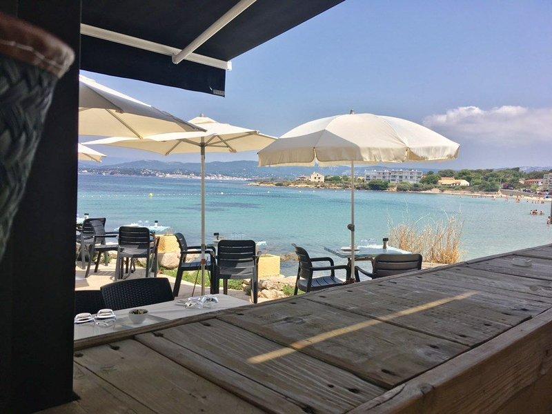 40m2 Idéalement situé en front de mer face aux iles des embiez, holiday rental in Ile des Embiez