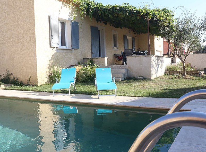 VILLA TARASCON PROCHE AVIGNON, location de vacances à Tarascon