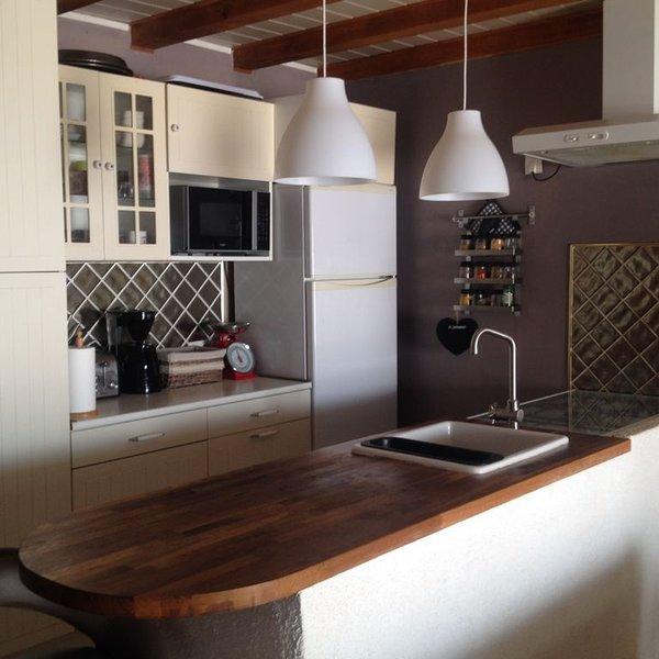 GRANDE MAISON CONFORTABLE AVEC PISCINE, holiday rental in Vallabrix