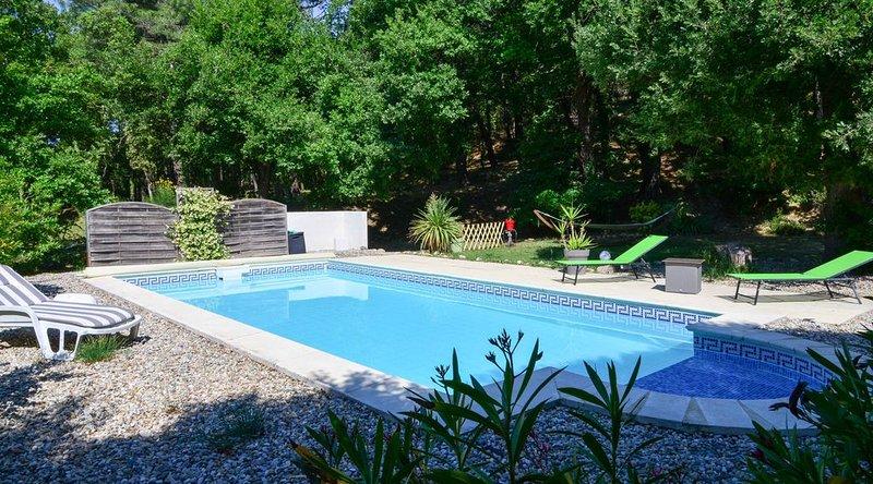 Villa climatisée et piscine exlusivement pour vous en Drôme provençale, location de vacances à La Baume-de-Transit