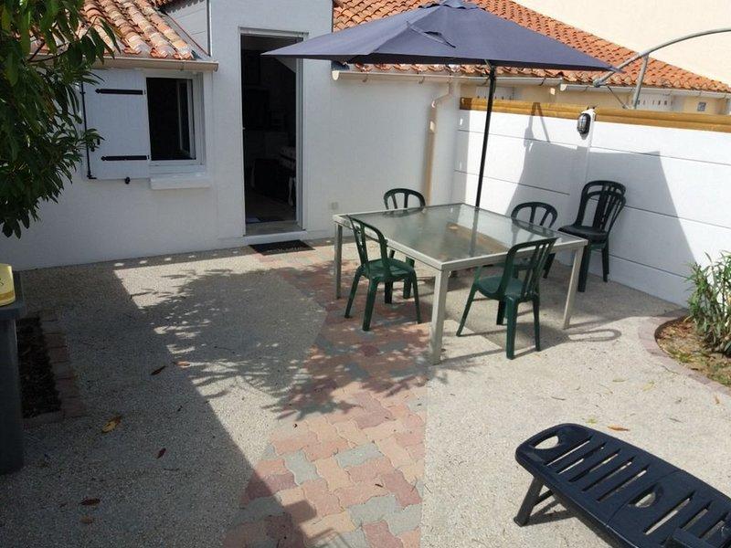 Maison de vacances La Chaize Giraud  85220, Ferienwohnung in L'Aiguillon-sur-Vie