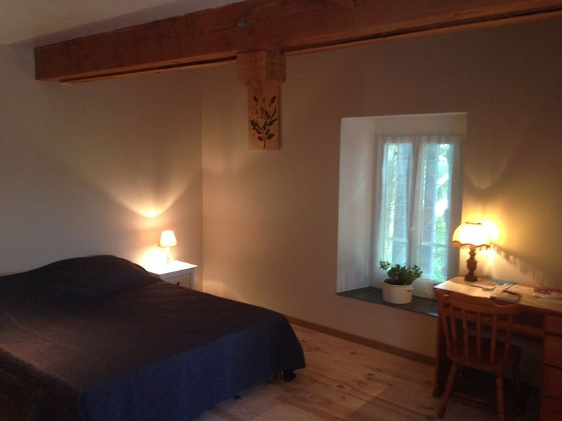 LES TROIS MARRONNIERS, holiday rental in Cazaux-Villecomtal