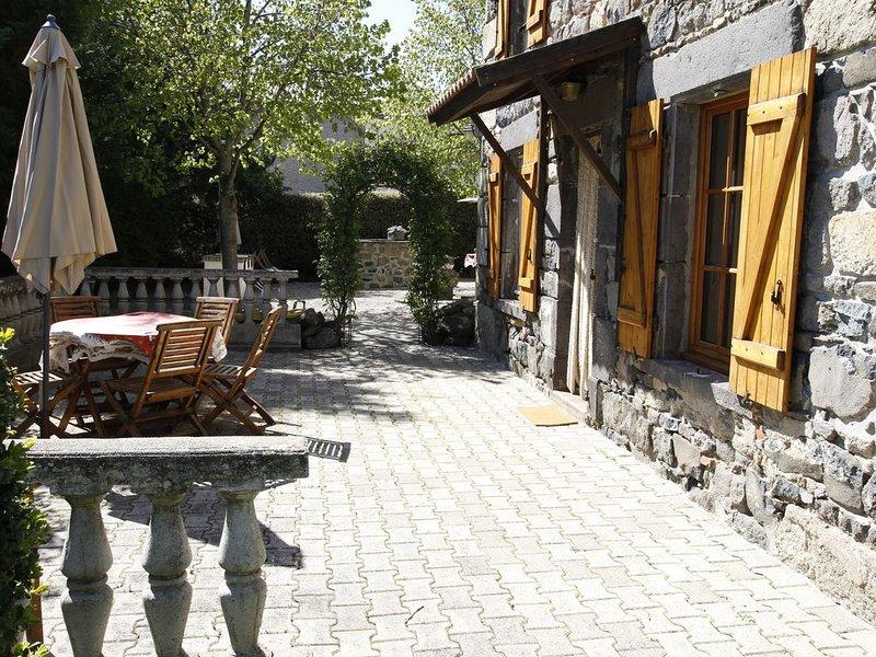 La Grange aux Ayres gîte 'Cerise' 5 places, holiday rental in Saint-Diery
