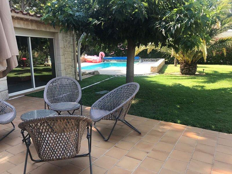 A 2' d'Uzès - Demeure de charme avec piscine dans jardin arboré, holiday rental in Serviers-et-Labaume