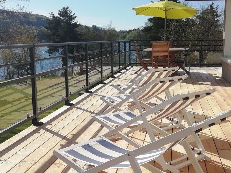 maison au bord de l'eau, holiday rental in Grazac