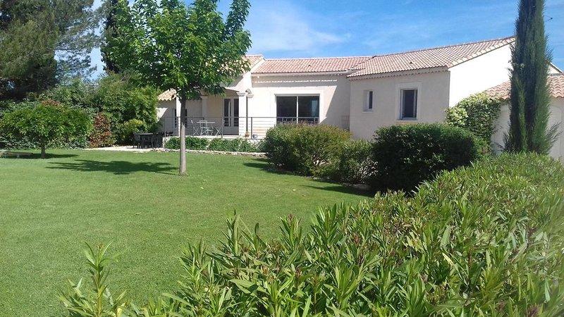 Belle villa provençale, vacation rental in St Just d'Ardeche