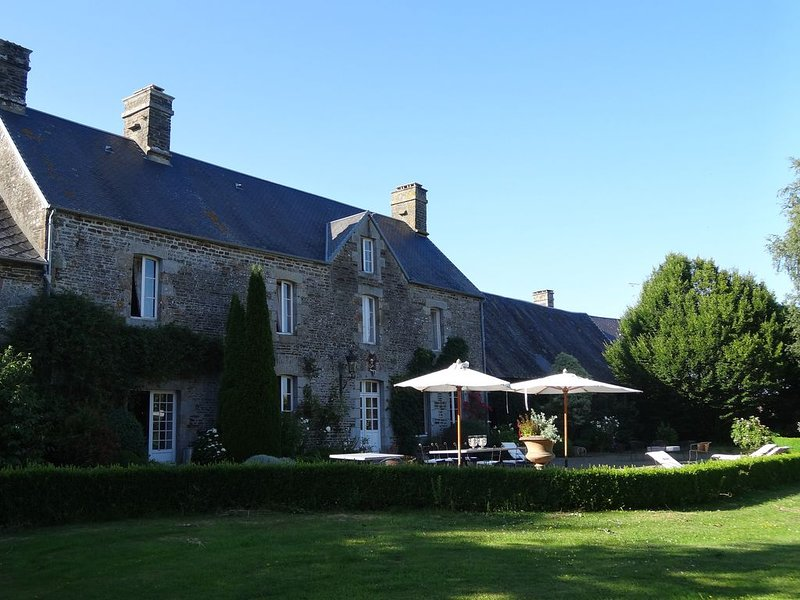 New : Grand domaine privé avec Manoir et Cottage au coeur de la Normandie, holiday rental in Sainte-Cecile