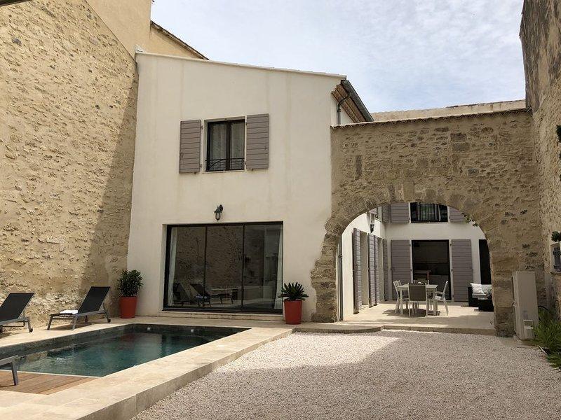 Pézenas Maison de caractère (Tourisme 4****)avec piscine centre historique de, location de vacances à Pezenas