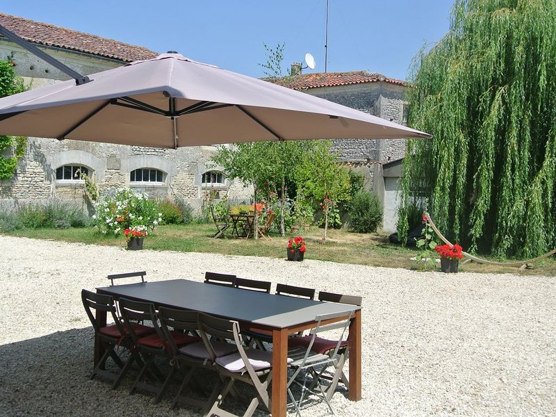 GITE LA FERME FORTIN, vacation rental in Jarnac