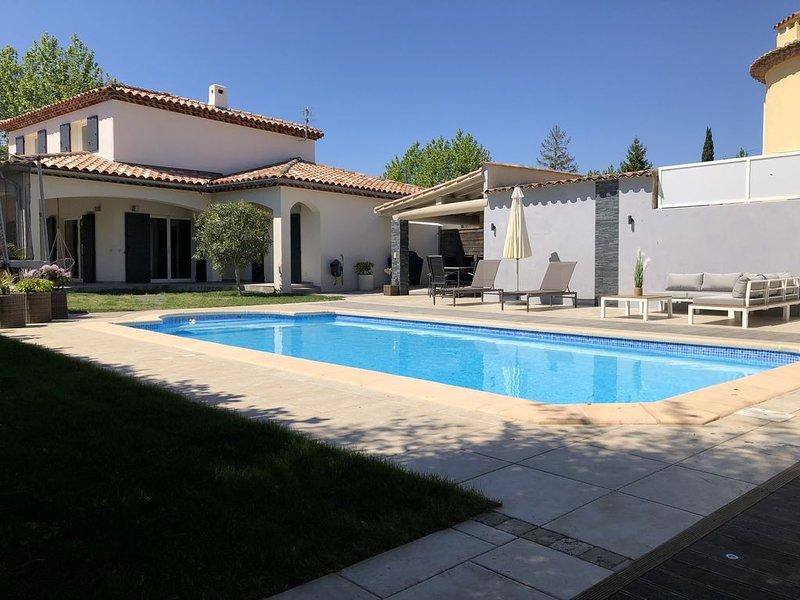 Villa moderne entre mer et colline, aluguéis de temporada em Plan De Cuques