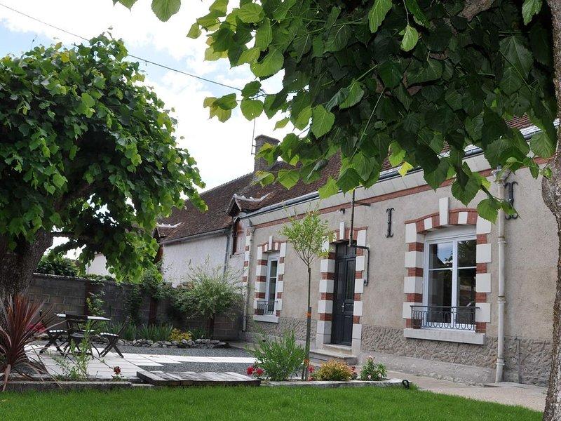 Maison classée 4* grand jardin - 5/7 pers - Zoo Beauval - Châteaux - Sologne, vacation rental in Chatillon-sur-Cher