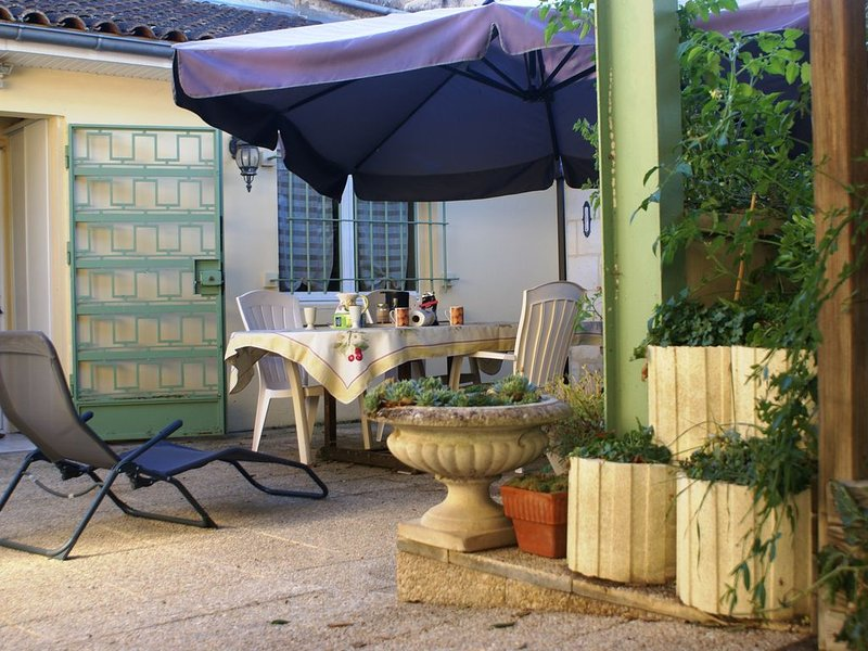 Bel Artilou proche de ST Emilion, holiday rental in Sablons