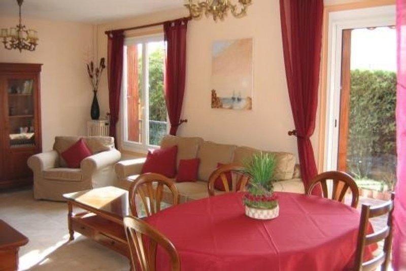 Appartement à la mer - tout accessible à pied, holiday rental in Saint-Cyr-sur-Mer