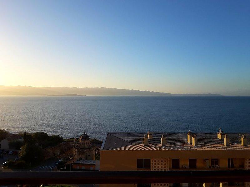 Grand F1 vue exceptionnelle sur la mer, aluguéis de temporada em Ajaccio
