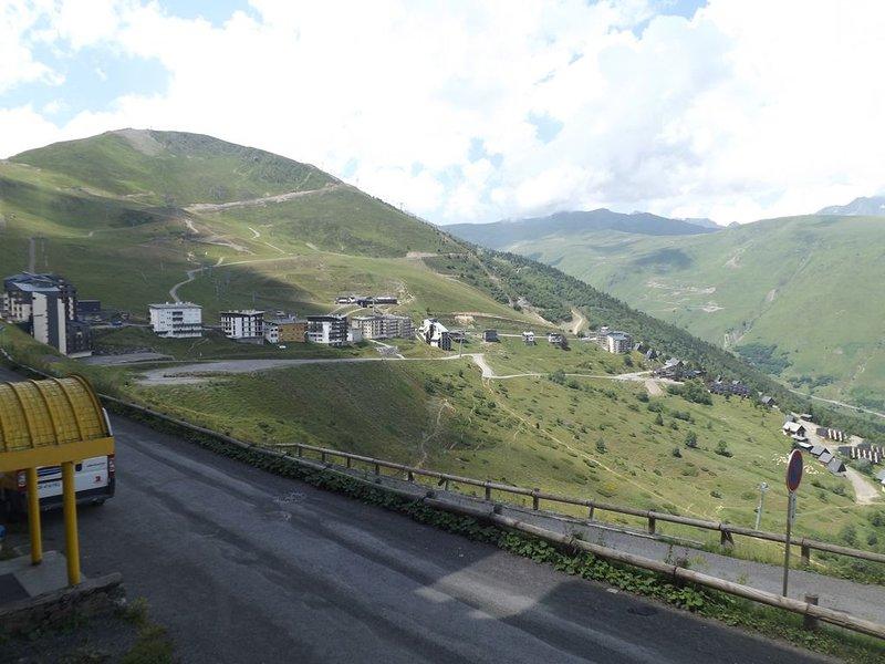 Appartement vue côté vallée, casa vacanza a Tramezaigues
