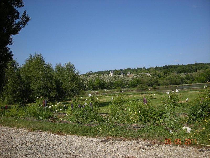 Poitou, Maison à la campagne dans un environnement calme et reposant., aluguéis de temporada em Naintre