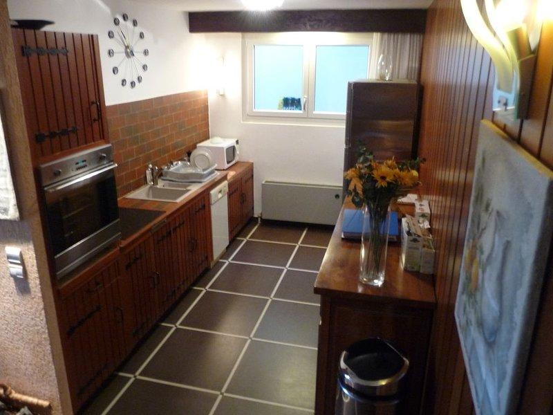 Appartement 86 m2 RDC dans villa située sur Golf Evian, casa vacanza a Neuvecelle