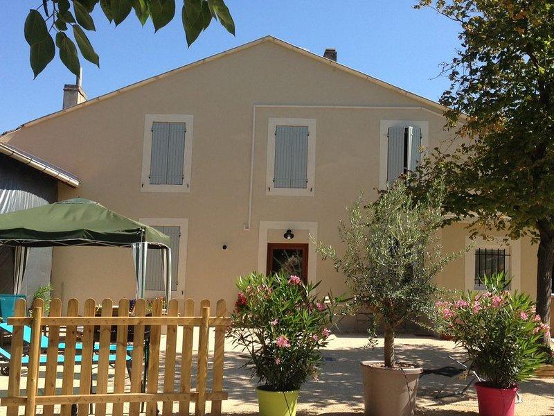 Jolie maison fraîchement rénovée à proximité du luberon, aluguéis de temporada em Cheval-Blanc