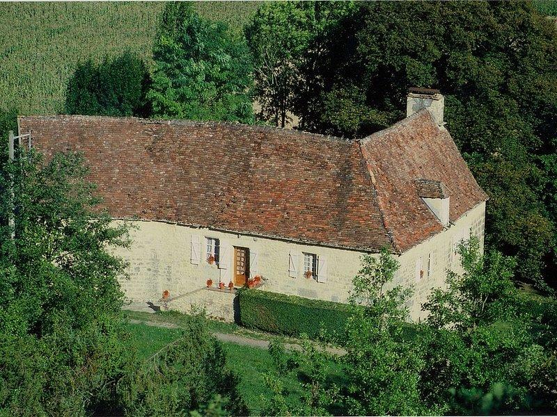 entre Sarlat et Rocamadour maison en pleine nature, location de vacances à Montfaucon