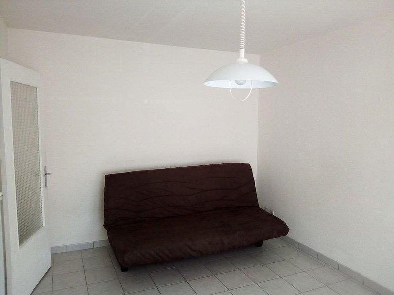 STUDIO A LAXOU CONVIENT A 2 PERSONNES, Ferienwohnung in Vandoeuvre-les-Nancy