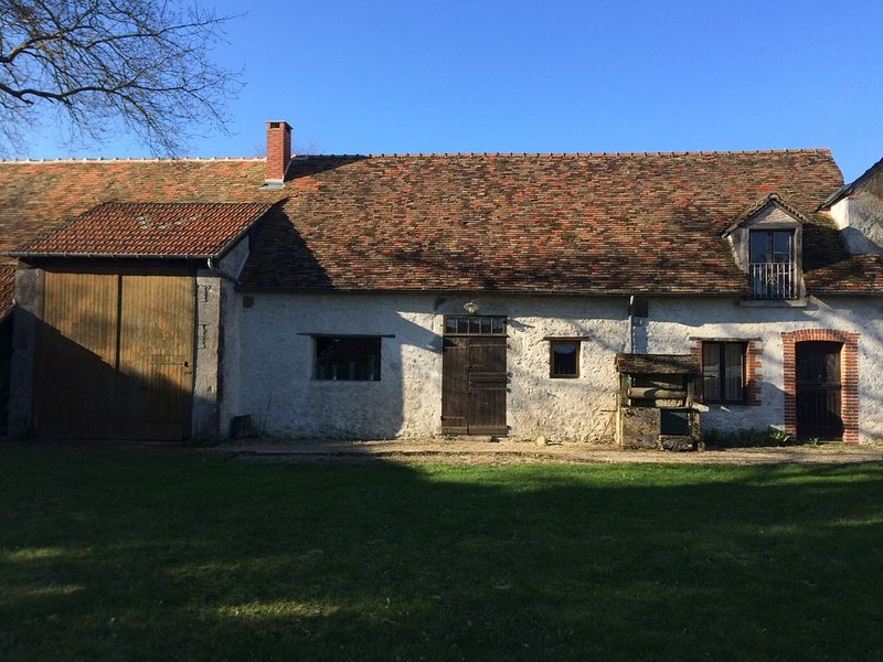 Le Colombier Guesthouse, holiday rental in Tavers