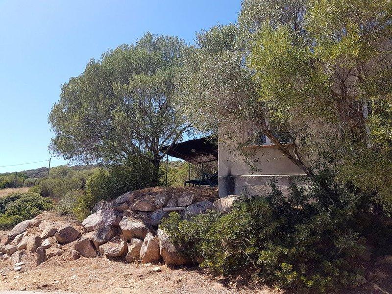 ★★★ Maison au calme avec jardin - Vue mer - Plage de Cupabia à 5 minutes, holiday rental in Serra-di-Ferro